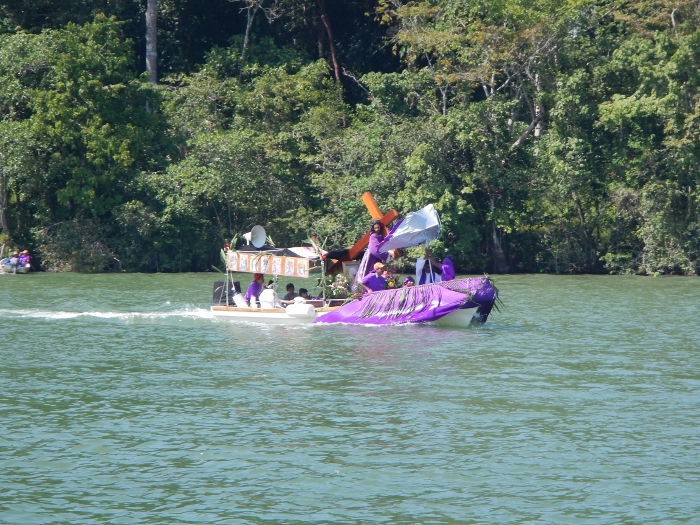 2016 Easter is calabrated on the water in the Rio Dulce